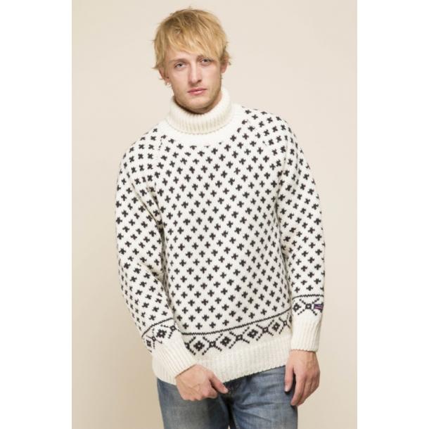 tyk strikket norsk trøje med prikker