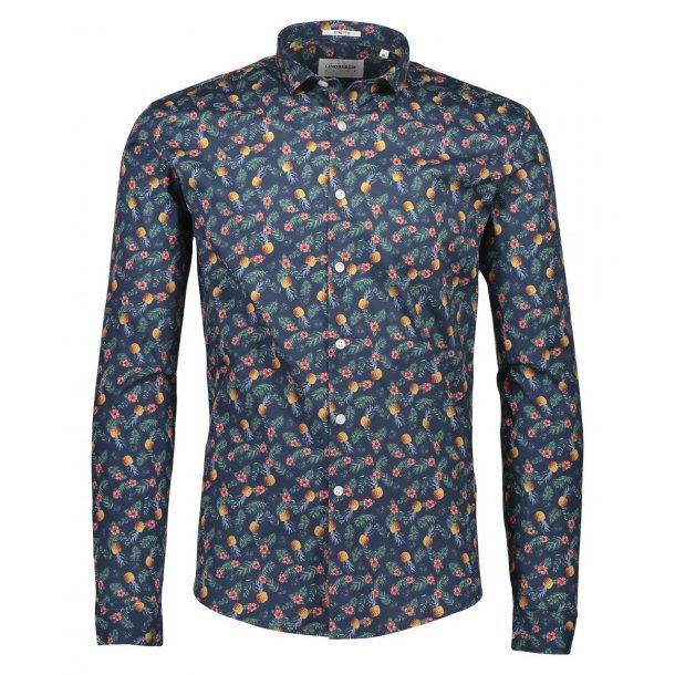 Langærmet skjorte fra Lindberg, bomuld-stretch. TILBUD