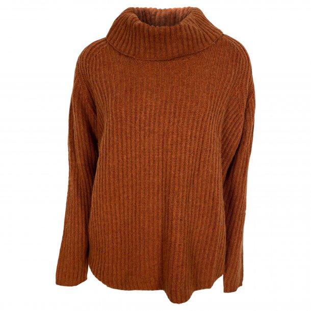 Bluse med rullekrave, 100% camel uld. TILBUD
